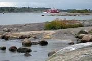 Остров предлагает экологический отдых.  // helsinki.ru