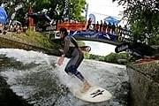 Серфинг в Мюнхене - это модно. // juicemagazine.com