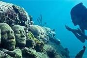 В подводном парке Гренады // underwatersculpture.com