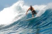 Серфинг - одна из возможностей отдыха на Барбадосе. // iStockphoto