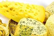 Туристы попробуют разные виды сыров. // velotour.com.ua