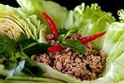Города Азии предлагают вкуснейшую уличную еду. // iStockphoto / laughingmango