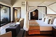 Номер в отеле Four Seasons Safari Lodge Serengeti // fourseasons.com