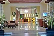 Холл в Wyndham San Jose Herradura Hotel // wyndham.com