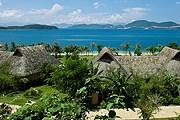 Бунгало Best Western Premier Hon Tam Resort & Residences утопают в зелени. // bestwestern.com