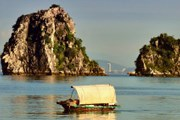 Вьетнам все больше интересует туристов. // iStockphoto / pirjek