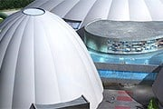 Аквапарк накрыт тремя куполами. // splashespa.ch