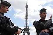 В туристических районах Парижа станет больше полицейских. // rfi.fr