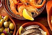 """Разнообразные закуски в Испании называются """"тапас"""". // foodchannel.com"""