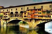 Ponte Vecchio – самый старый мост Флоренции. // firenzealbergo.it