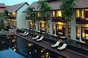 Внутренний двор отеля Anantara Angkor Resort & Spa // anantara.com