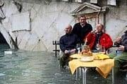 Не исключены сильные наводнения. // thedailymenh.com