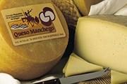 """""""Манчего"""" -  твёрдый сыр из овечьего молока. // quesosmanchegosalmagro.com"""