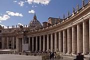 Колоннада Бернини - один из символов Ватикана. // lifeisphoto.ru / liubos