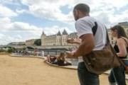 Петанк - несложная и увлекательная игра. // quefaire.paris.fr