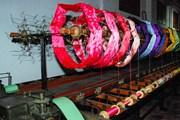 Туристы узнают все о производстве шелка.  // Museu de la Seda Moncada