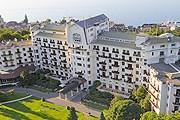 Отель откроется в июле. // Hôtel Royal