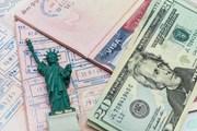Американскую визу придется подождать.  // mariakraynova, Shutterstock.com