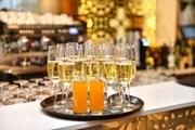 Гостей ждут изысканные вечеринки.  // Ansis Klucis, Shutterstock.com