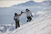 В некоторых местах - до 80 сантиметров свежего снега.  // dotshock, Shutterstock.com
