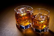 Виски - визитная карточка Шотландии.  // Zholobov Vadim, Shutterstock.com