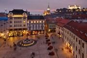 Братислава - самое дешевое направление на Рождество. // David Vadkerti, shutterstock