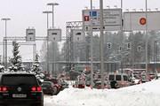 Очереди на границе стали меньше из-за кризиса. // Yle / Jani Aarnio
