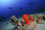У берегов Греции произошло много кораблекрушений.