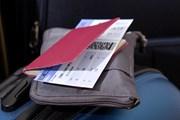 Паспорт должен действовать не менее 6 месяцев.  // conejota, Shutterstock.com