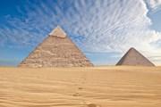 Пирамиды реставрируют каждые 10-15 лет.