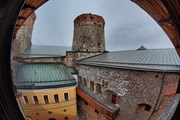 В стенах крепости - уникальная акустика.  // Semen Lixodeev, Shutterstock.com