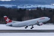 Самолет SWISS // Travel.ru