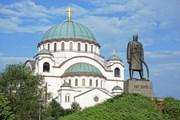 Автобус провезет по самым знаковым местам Белграда.  // ollirg, Shutterstock.com