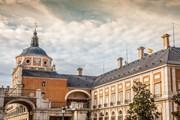 Туристы увидят достопримечательности Аранхуэса.  // Lukasz Janyst, Shutterstock.com
