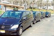 В такси Абу-Даби работают водители из множества стран. // chatru.com