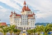 """Отель """"Богатырь"""" похож на сказочный замок. // Travel.ru"""