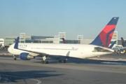 Самолет Delta в Нью-Йорке // Юрий Плохотниченко