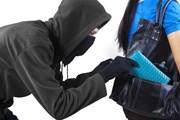 Грабители, карманники и похитители угрожают одиноким путешественникам. // Creativa, shutterstock
