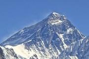 Эверест - туристический бренд Непала. // wikipedia.org