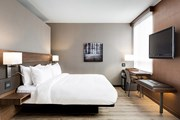 Номер в AC Hotel Marseille Velodrome // marriott.com