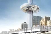 Стеклянный лифт поднимает туристов на высоту более 150 метров.