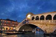 Мост Риальто - один из символов Венеции.