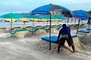 Шезлонги из песка - идея предприимчивых бизнесменов. // thailand-news.ru