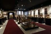 Зал музея с механизмами, изобретенными Леонардо // italia-ru.com