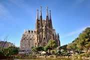 Храм Святого Семейства в Барселоне // Dezeen.com