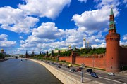 Московский Кремль перейдет на летний режим работы. // dimbar76, shutterstock