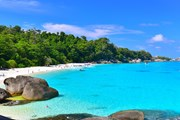 Пять месяцев отводится природе на восстановление после туристического сезона. // aussiediversphuket.com