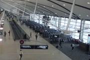 В США провожающие смогут пройти к самолетам // Юрий Плохотниченко