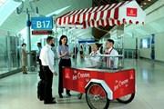 Лоток с бесплатным мороженым в аэропорту Дубая // emirates.com