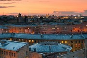 Власти борются с экскурсиями по крышам. // loveisspb.com